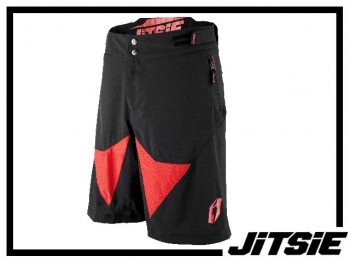Short Jitsie Airtime - schwarz/rot XL