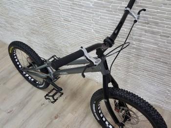"Trial Bike 20"" Echo Kid Disc - silber"