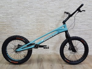 "Trial Bike 20"" Breeth Carbon - blau"