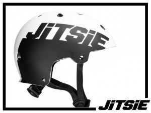 Helm Jitsie Solid - weiß/schwarz M